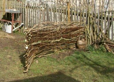 villa hildegard sichtschutz f r den kompost zweiter anlauf. Black Bedroom Furniture Sets. Home Design Ideas